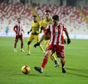Spor Toto Süper Lig: DG Sivasspor: 2 - Evkur Yeni Malatyaspor: 0 (İlk yarı)