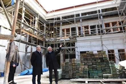 Tarihi Veli Paşa Hanı'nda restorasyon çalışmalar devam ediyor