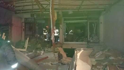 Esenyurt'ta bir lokantada patlama meydana geldi, ortalık savaş alanına döndü