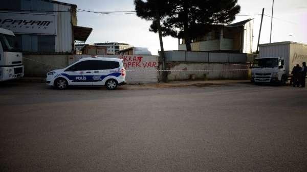 (Özel) Tuzla'da tır şoförünün feci ölümü