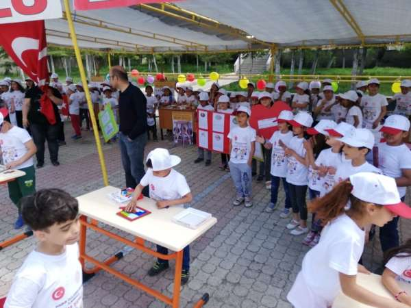 Habib Güleser Öztaş ilkokulunda bilim şenliği