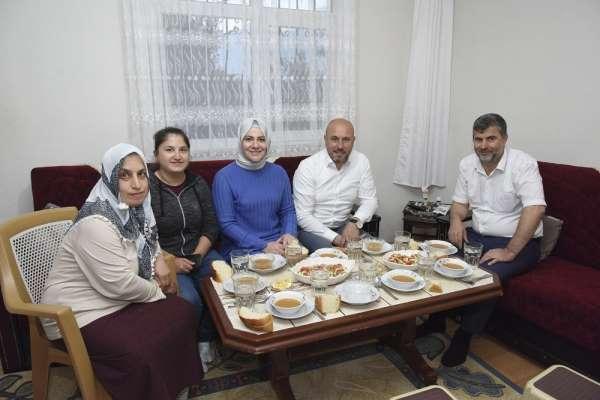 Togar: 'Ramazan'ın maneviyatını paylaşıyoruz'