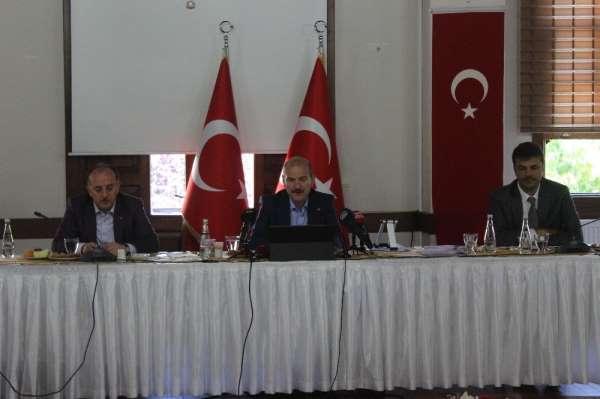 İçişleri Bakanı Süleyman Soylu: 'Tunceli'de 5 terörist mağarada kıstırıldı'