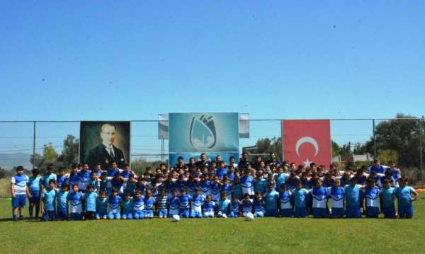 Yunusemre yaz futbol okulu sona erdi