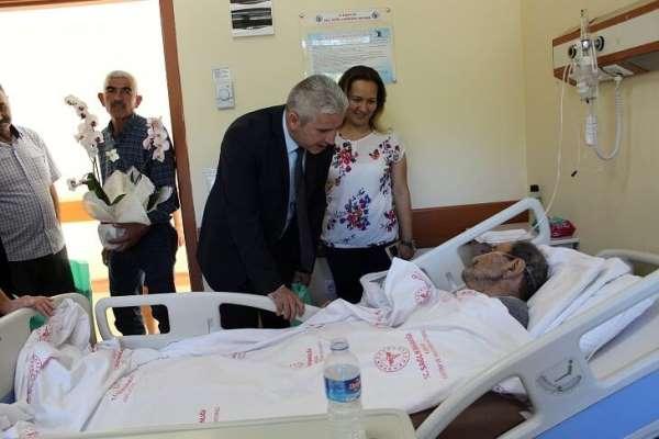 Şehit Aileleri, KEA Hastanesinde tedavi gören hastaları ziyaret etti