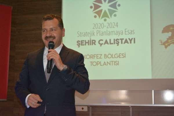 Ayvalık'ta Büyükşehir'den 2020-2024 Stratejik Planlamaya esas şehir çalıştayı