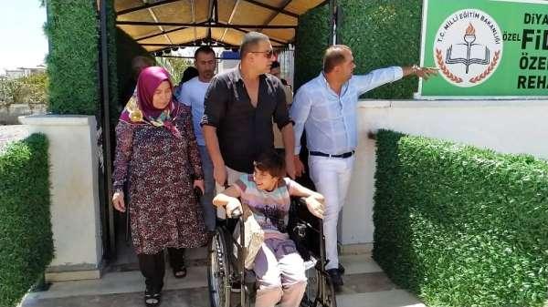 Berdan Mardini, Diyarbakır'da özel eğitim ve rehabilitasyon merkezini ziyaret et