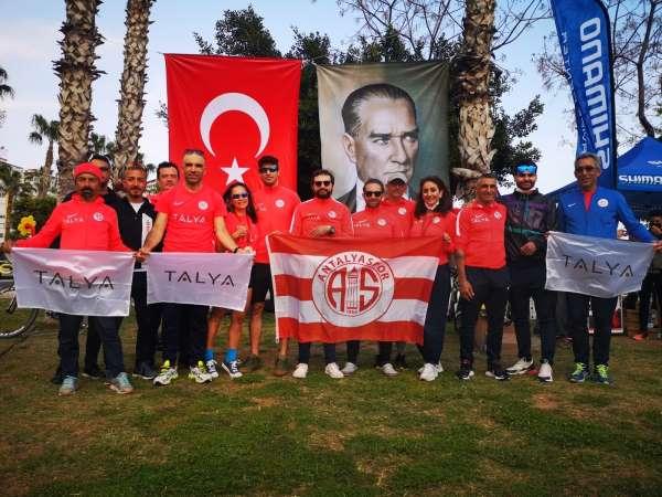 Antalyaspor Triatlon Takımından 3 altın, 2 bronz madalya