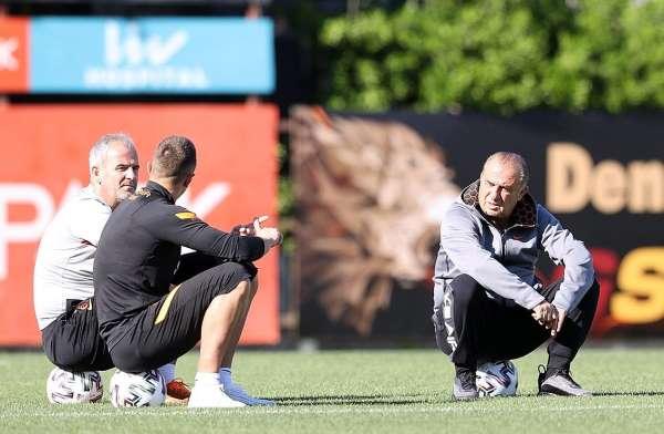 Galatasarayda Etebo takımla birlikte çalıştı