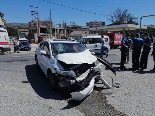 İzmirde kaza yapan araçtan uyuşturucu çıktı