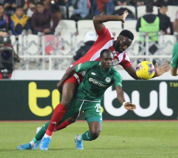 Süper Lig: D.G. Sivasspor: 2 - İ.H. Konyaspor: 0 (Maç sonucu)