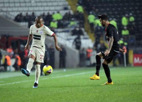 Süper Lig: Gaziantep FK: 0 - Galatasaray: 2 (İlk Yarı)