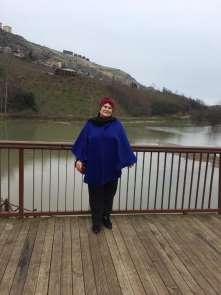 Kadın muhtar adayı kazanırsa Sera Gölü'nü çöpten temizleyecek