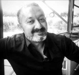 Uşak'taki kazada ağır yaralanan sürücü hayatını kaybetti