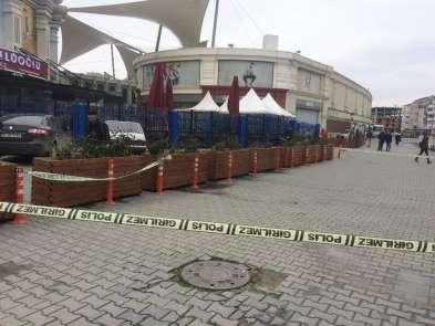 Eyüpte alışveriş merkezi önünde silahlı saldırı
