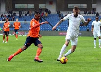 Spor Toto Süper Lig: Medipol Başakşehir: 1 - BB Erzurumspor: 0 (İlk yarı)