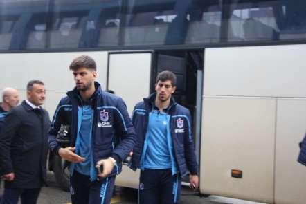 Trabzonspor, Galatasaray maçı için İstanbul'a gitti