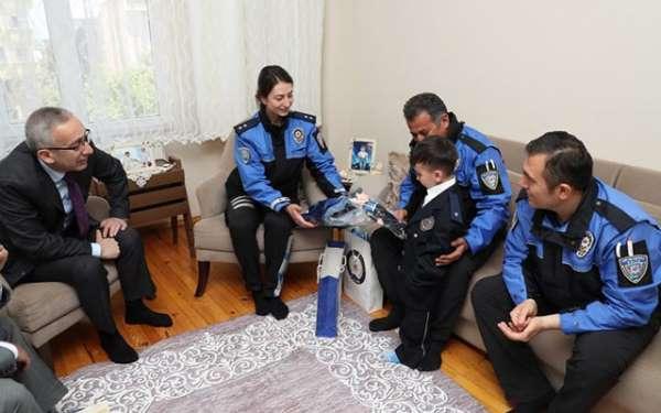 Lösemili küçük Çınar'ın polis kıyafeti giyme hayali gerçek oldu