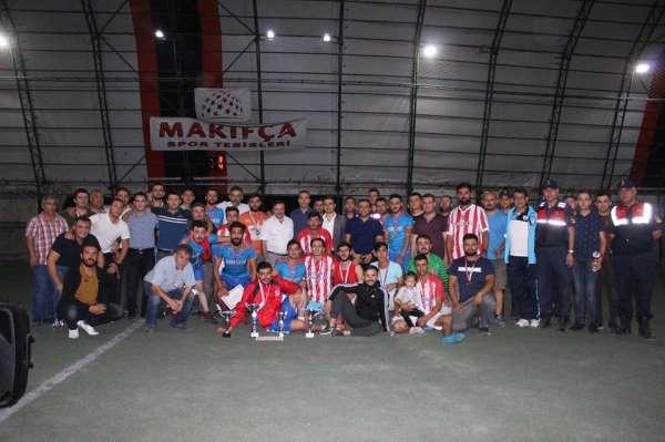 Emet Kaymakamlığı halı saha futbol turnuvası sona erdi