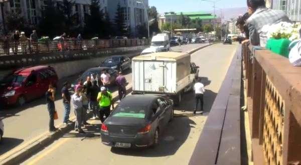 Erzurum'da zincirleme trafik kazası