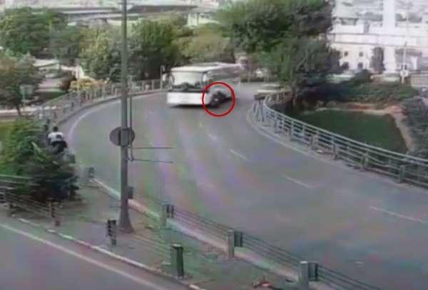 (Özel) İstanbul'da motosikletlinin ölümden döndüğü an kamerada