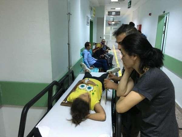 10 yaşındaki çocuk demir korkulukların üzerinde oturduğu sırada 3 metrelik yükse