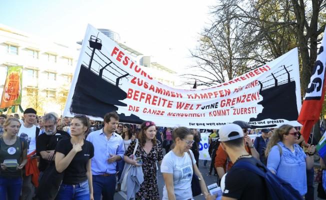 Almanya'da Irkçılık Protesto Edildi