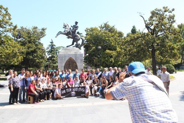 Atatürk Anıtı`na turist ilgisi