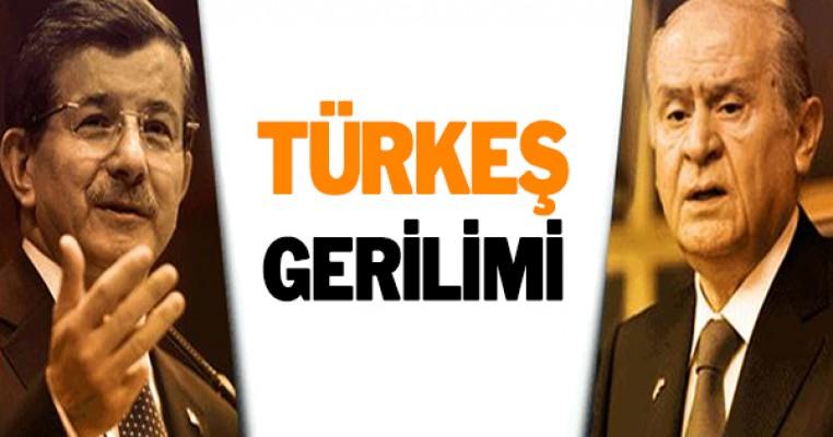 Bahçeli ve Davutoğlu arasında Türkeş gerilimi