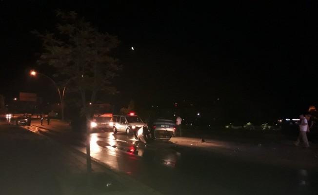 Başkent'te trafik kaza: 2 polis yaralı
