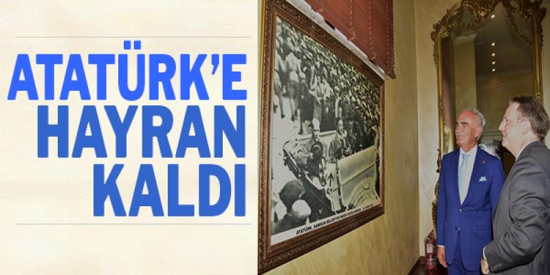 Danimarka Büyükelçisi Atatürk`e hayran kaldı
