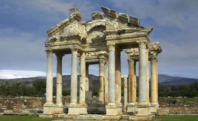 Dünya Mirası Listesi'ne giren Afrodisias'ın havadan görüntüleri etkiledi
