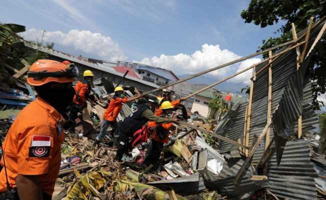 Endonezya'da Ölü Sayısı Artıyor!