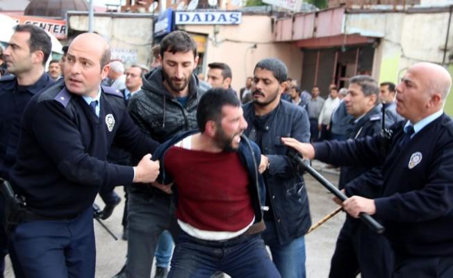 Erzurum'da iki grup arasında bıçaklı kavga: 3 yaralı