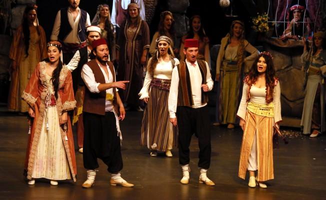 """""""Kanlı Nigar"""" Samsun`da Sahnelendi"""