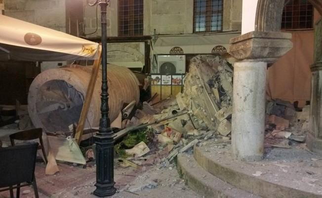 Kos Adası'ndaki caminin minaresi yıkıldı, büyük hasar oluştu