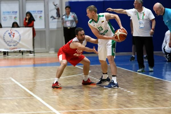 Litvanya-Türkiye: 87-55 (İşitme Engelliler Olimpiyatı)