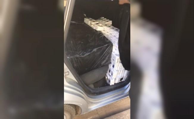 Lüks otomobilde kaçak sigara sevkıyatı