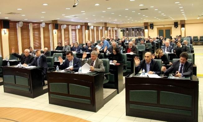 Mecliste 42 madde kabul edildi