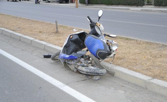 minibüs elektrikli bisiklete çarptı: 1 ölü