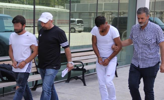 Ölen gence uyuşturucu sattığı öne sürülen 2 şüpheli tutuklandı