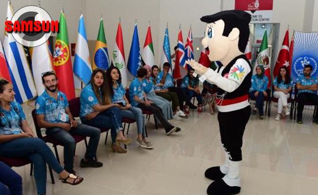 Olimpiyat maskotu Çakır, gönüllülere işaret dili öğretti
