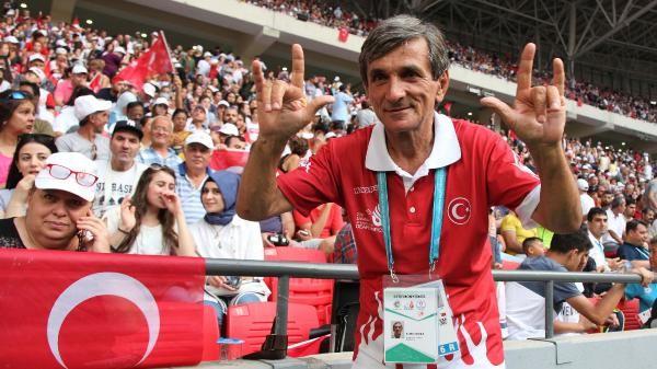 Olimpiyat meşalesini yakan Ertuğrul Bursa`nın gurur gecesi