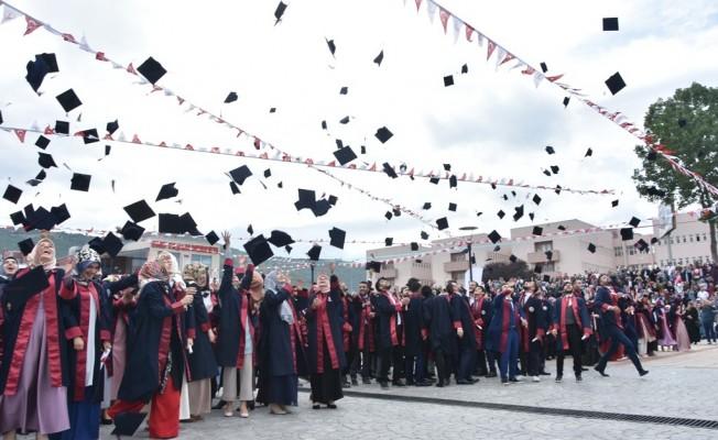 OMÜ İlahiyat Fakültesi 500 Mezun Verdi