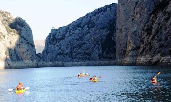 Şahinlerin gizemli kanyonunda kanoyla ilk geçiş