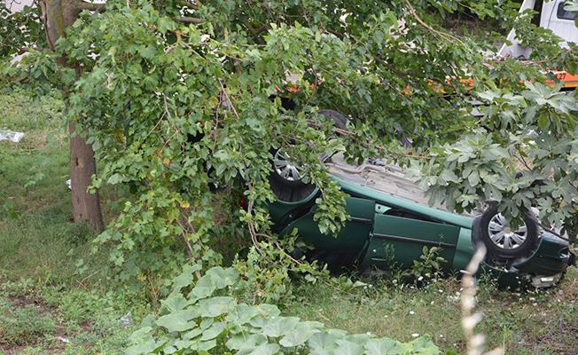 Samsun`da Bir Otomobil Evin Bahçesine Uçtu! 5 Yaralı