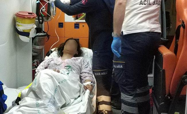 Samsun`da Genç Kız Kendini Bıçakladı