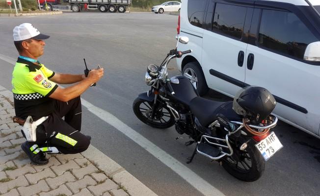 Samsun`da kamyonet ile motosiklet çarpıştı: 2 yaralı