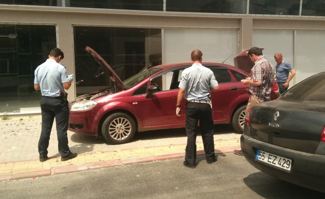 Şüpheli otomobil polisi alarma geçirdi