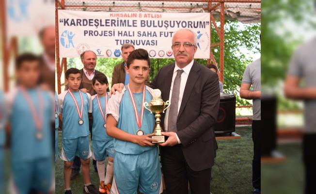 Tekkeköy'de Kırsalın 8 Atlısı Futbol Turnuvası Son Buldu